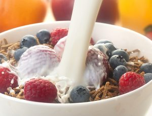 High fibre breakfast with bran cereal and frui